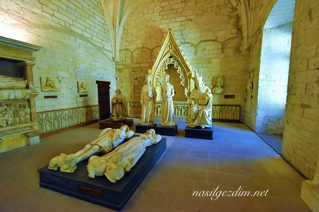 avignon gezilecek yerler, avignon gezi rehberi, papalık sarayı, palais des papes