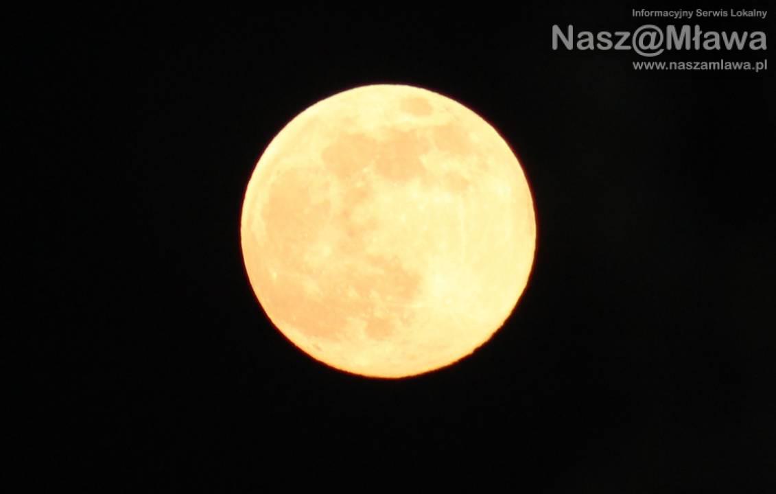 """""""Różowy Księżyc"""" już dziś [Zdjęcia]"""