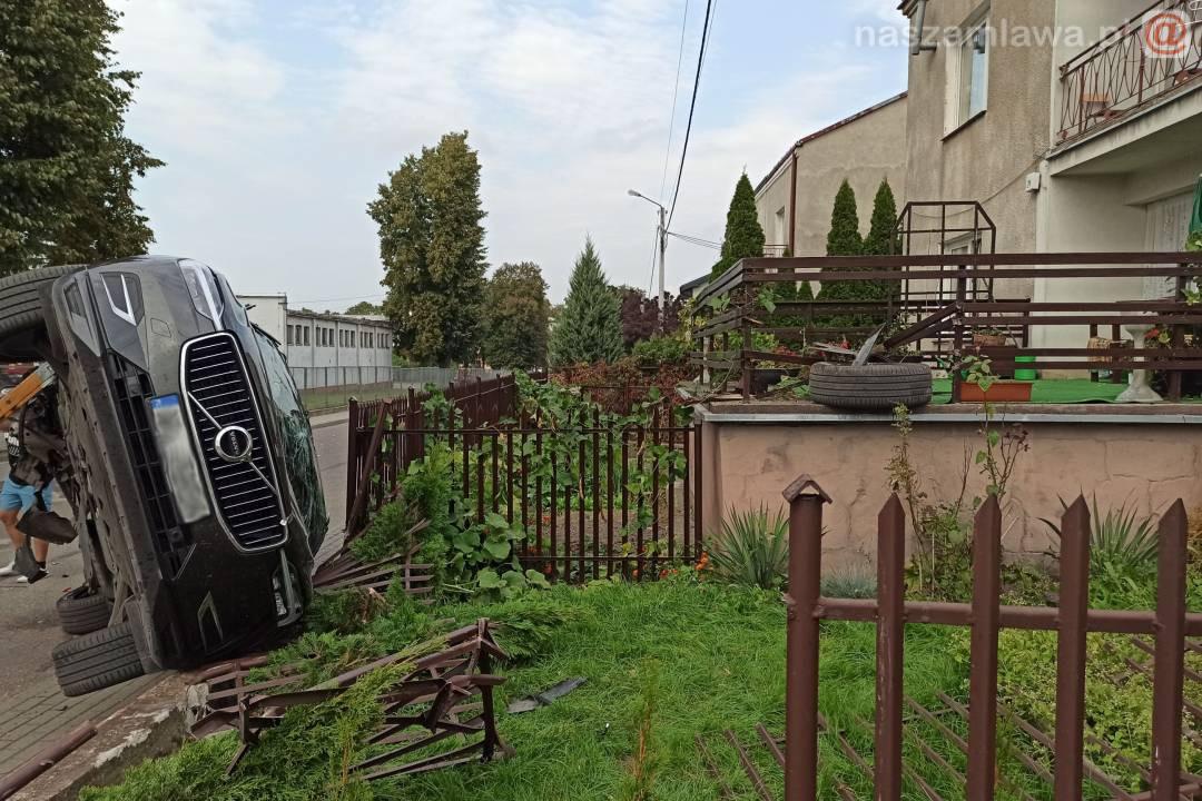 Wypadek w Mławie zarejestrowała kamera [NAGRANIE]