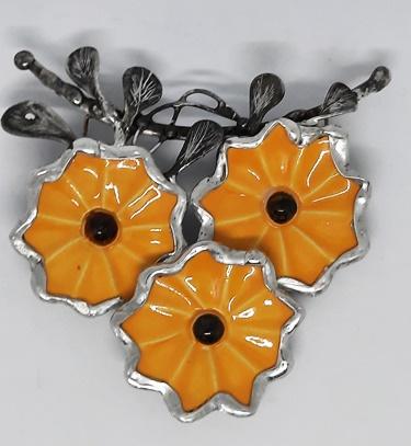ceramiczne kwiaty