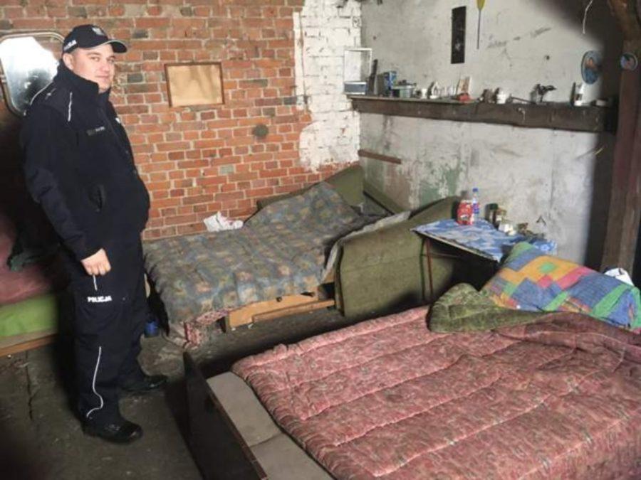 Śremscy policjanci kontrolują miejsca, w których mogą przebywać bezdomni