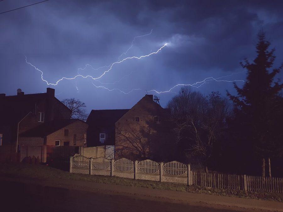 Dwugodzinna burza oraz gwałtowna ulewa nawiedziły Śrem (fot.: czytelnik naszsrem.pl)