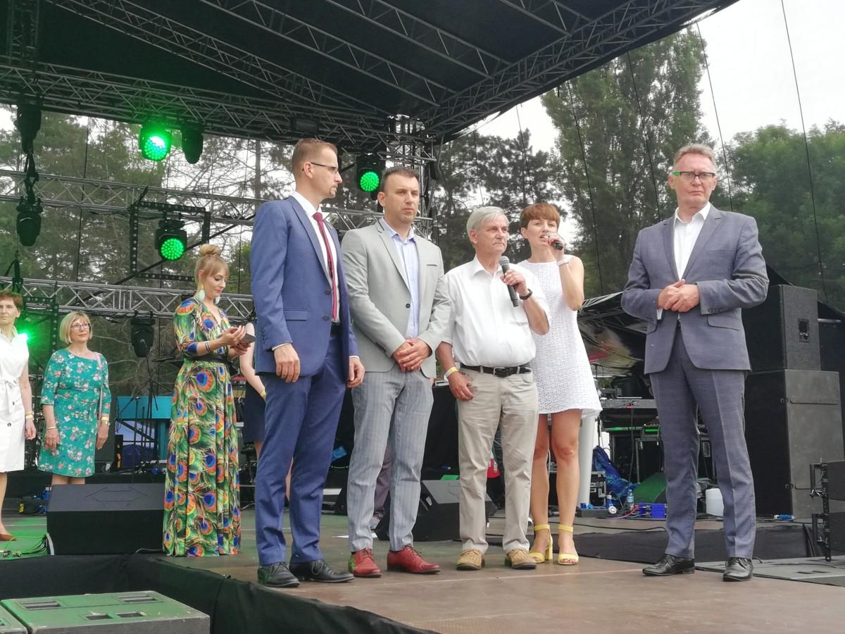 Burmistrz Śremu Adam Lewandowski oraz burmistrzowie miast partnerskich podczas Dni Śremu 2019