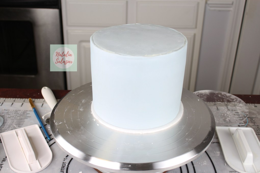 Torta decorada con fondant tecnica de paneles