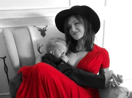 Espresso z ubrań i słów, czyli wywiad z Natalią Łuczak – podcasterką, mamą i stylistką