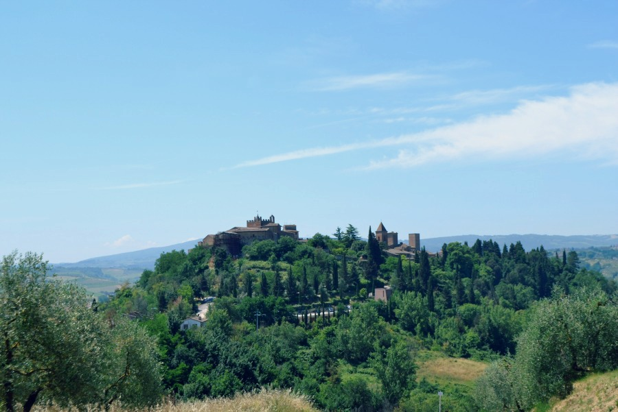 Ever dreamed of a romantic wedding in a postcard-perfect Tuscan location?