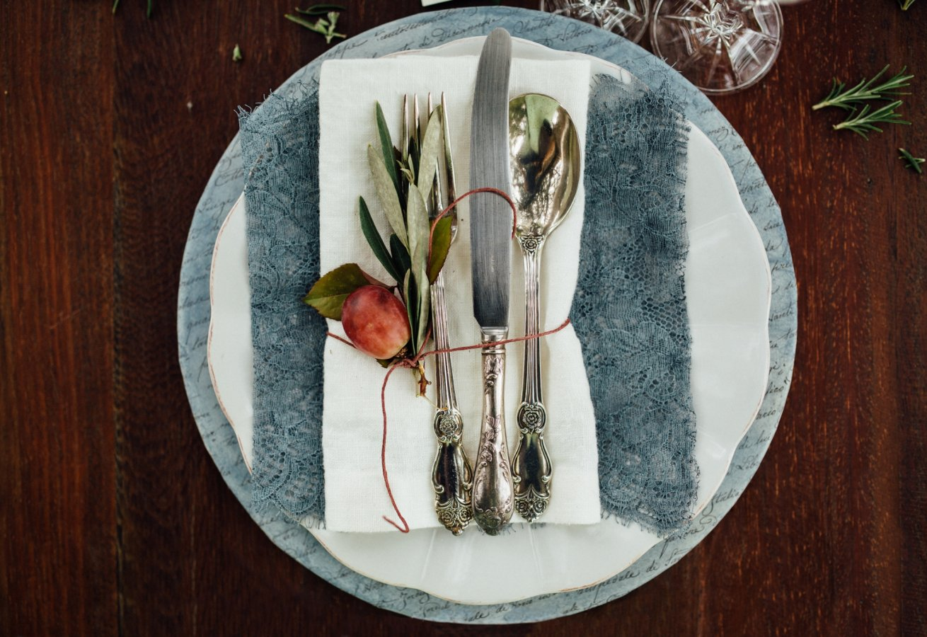 Poetic details of a wedding in Tuscany