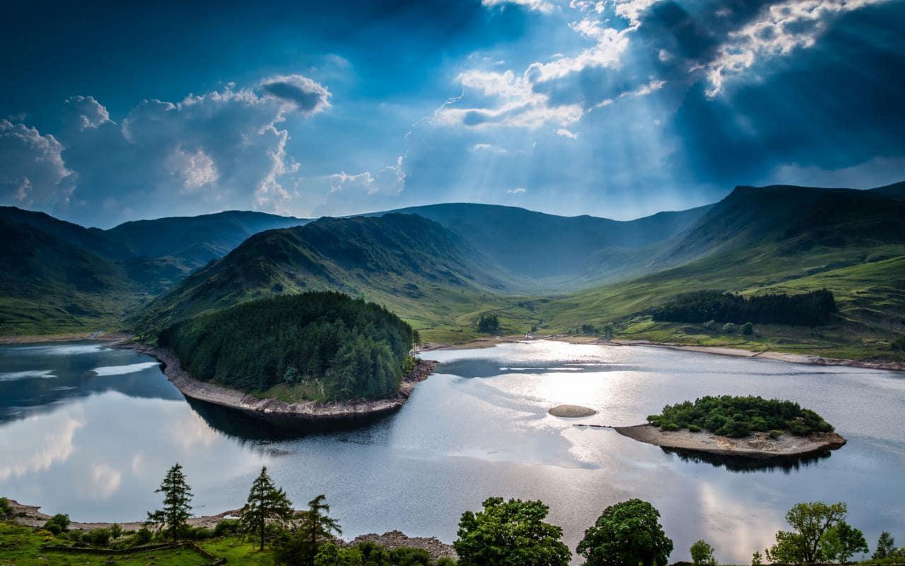 Lakes-travel-AP112901523-xlarge.jpg