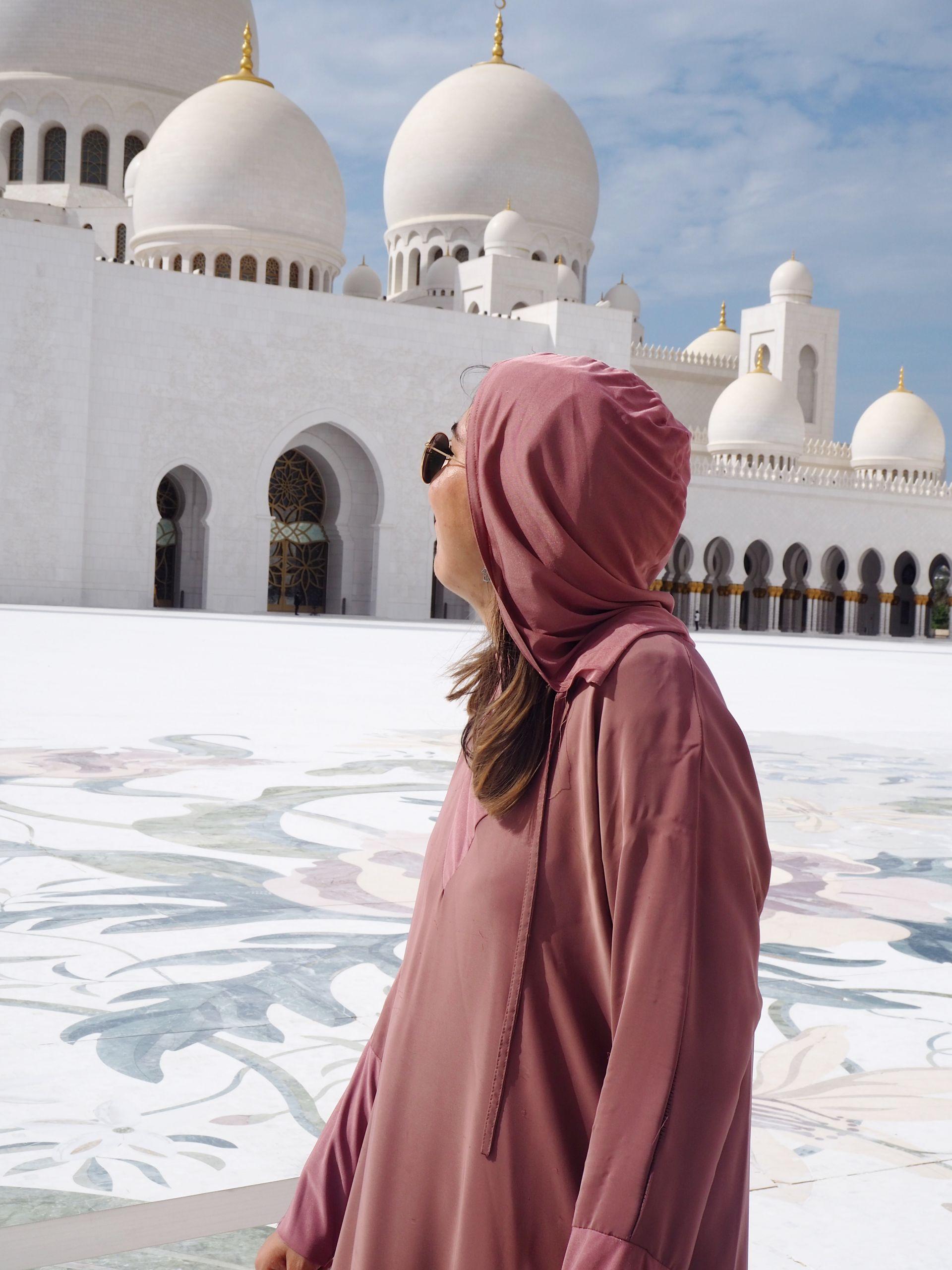 Exploring the Emirates: Sheikh Zayed Grand Mosque, Abu Dhabi