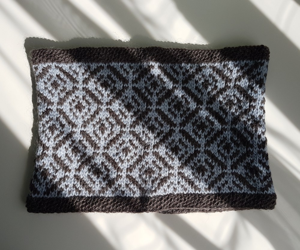 Image of the Parquet cowl, featuring an allover fairisle pattern