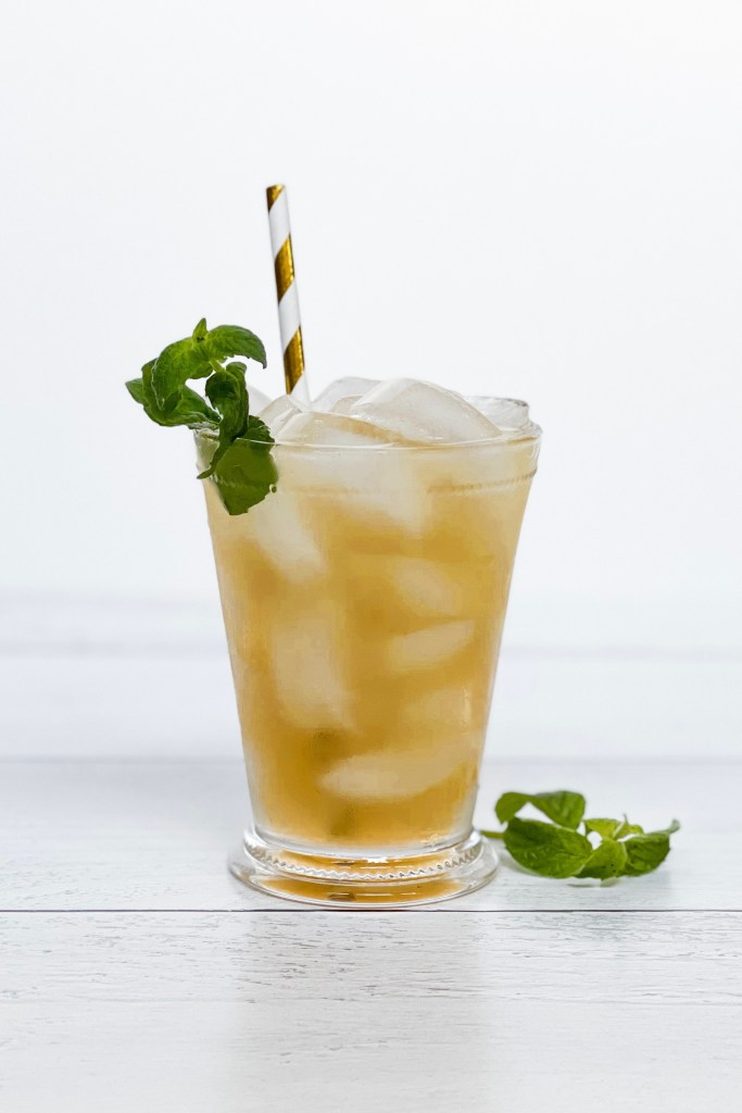 Kentucky Derby Party at Home Mint Julep