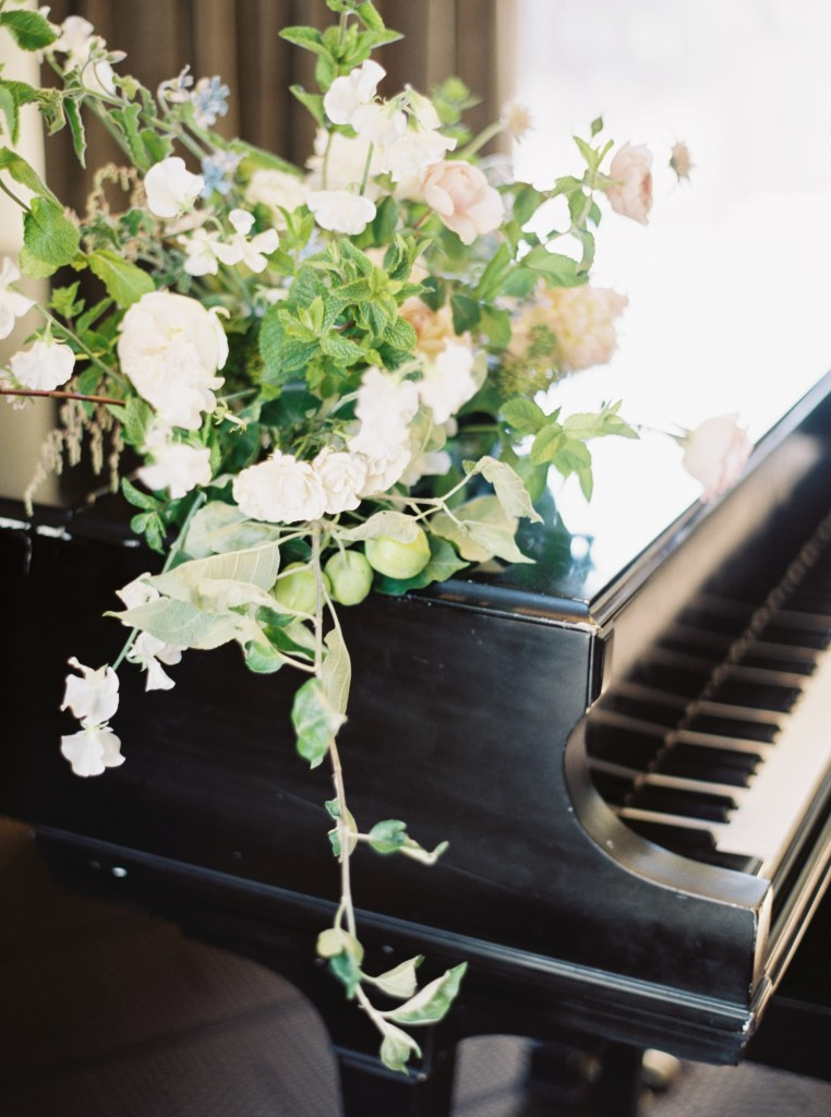 Wild Bloom Florals Sorrento Hotel Seattle wedding venue -- by Blue Rose Photography