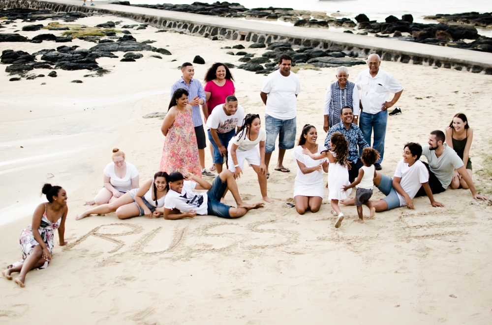 family reunion photoshoot in Mauritius