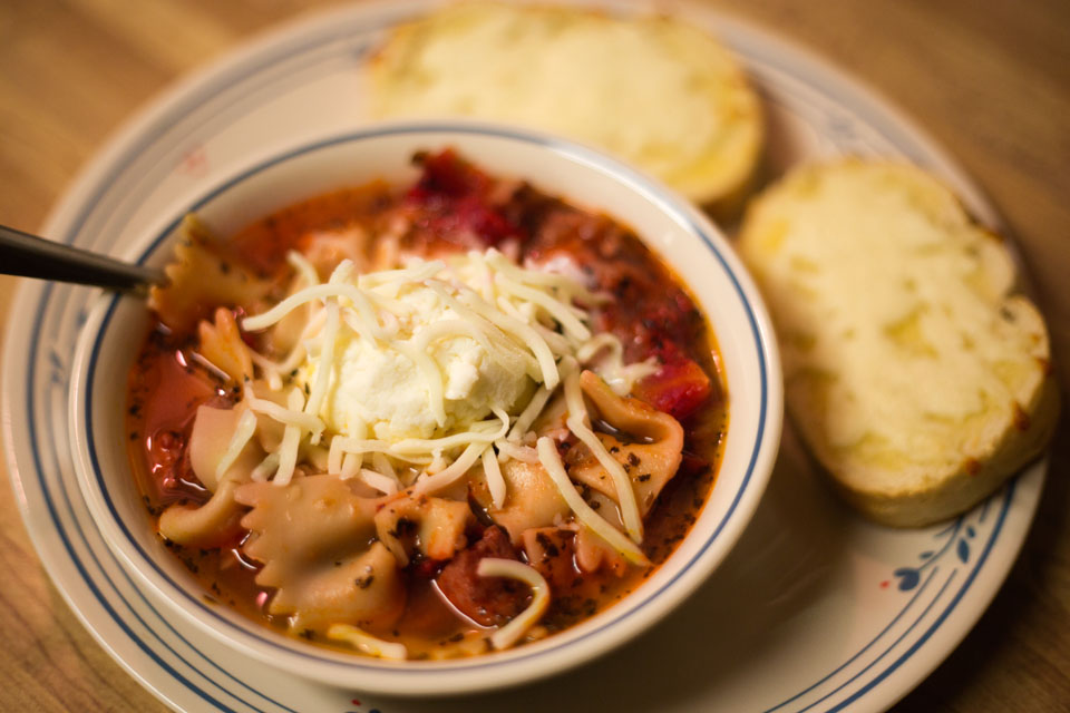 Homemade lasagna soup and garlic cheese bread