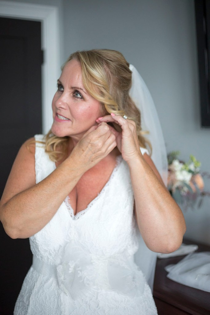 Mariette getting ready for her Chelsea Michigan elopement