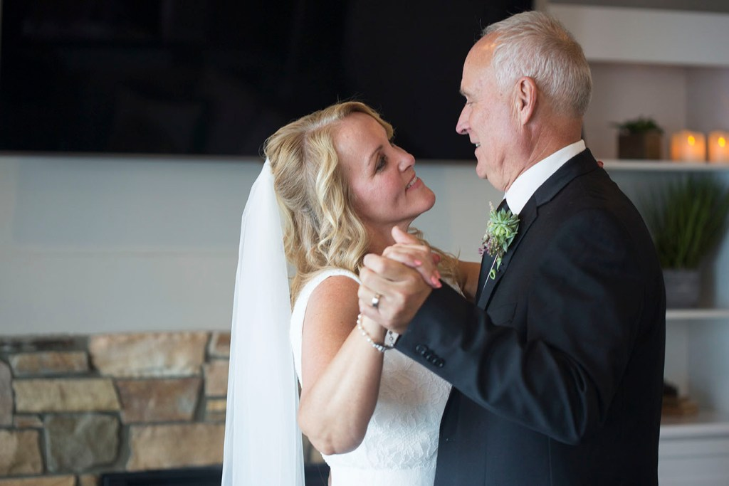 First dance between Michigan couple