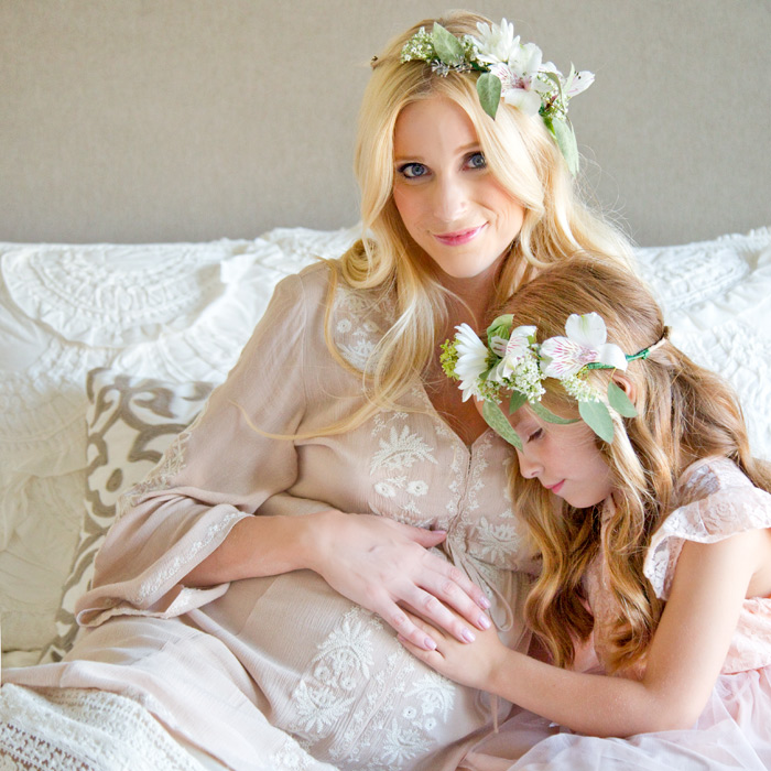 nataliemalan-maternity-style-photoshoot-bohemian-flower-crown-web