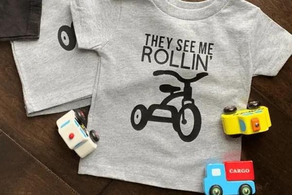 Custom 'They See Me Rollin' Lyric Shirt Gift {Tutorial}