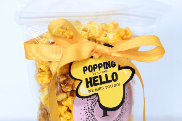 'Popping By' Popcorn Gift with Free Printable Gift Tag