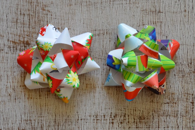 finished paper gift bow