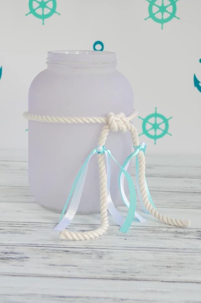 tie ribbons around the rope