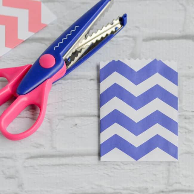 trim with decorative scissors