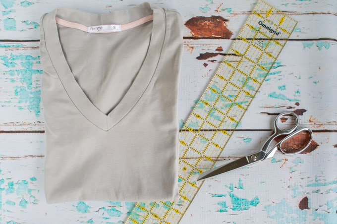 materials for making no-sew bow back shirt