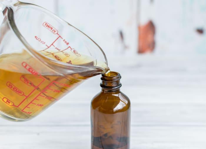 pour tea in your spritz bottle