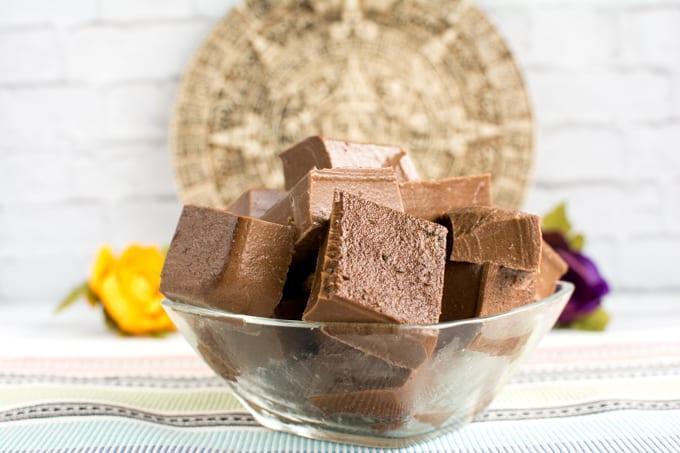 Paleo chocolate gelatin