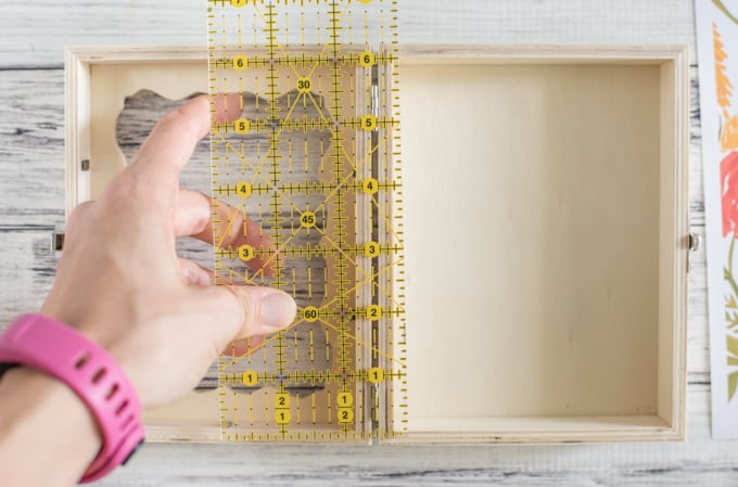 measure box's interior