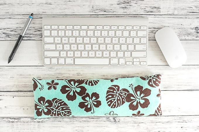 how-to-make-your-own-keyboard-wrist-rest