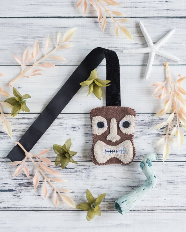 felt tiki bookmark pattern + tutorial