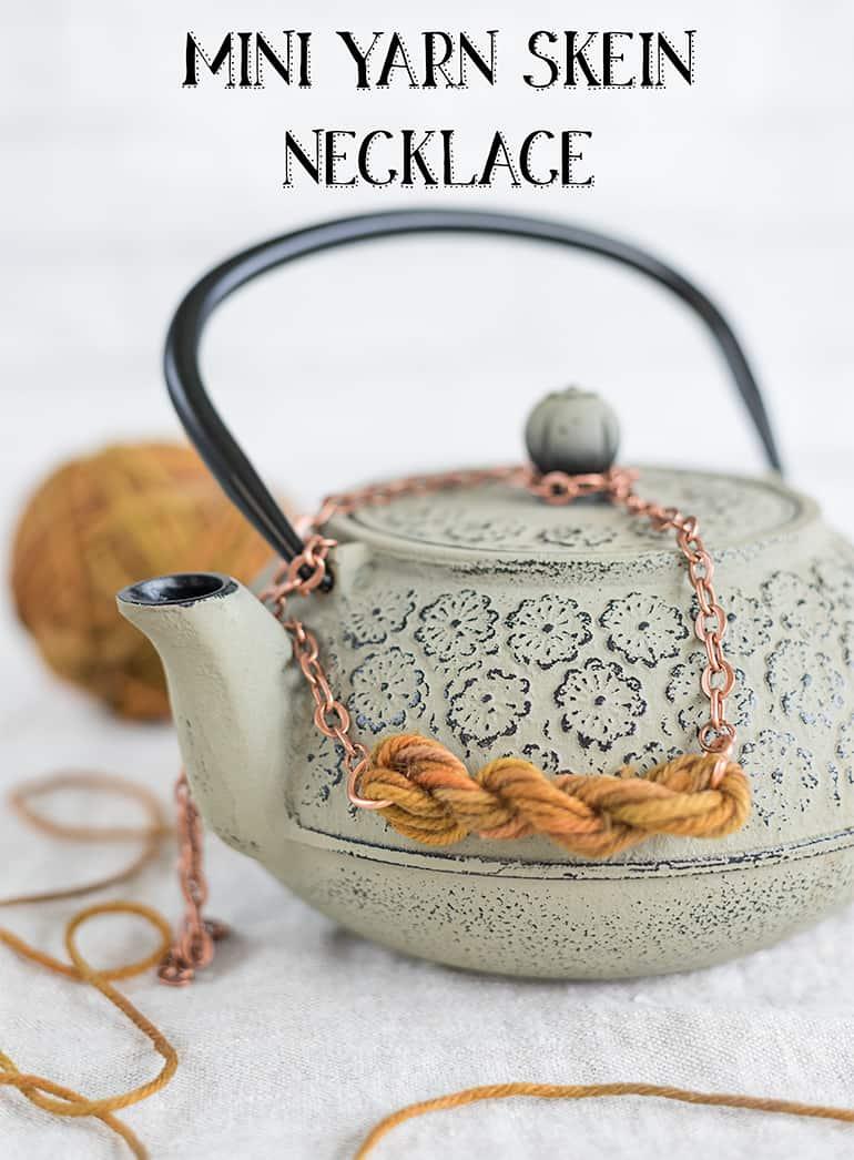 mini yarn skein necklace tutorial