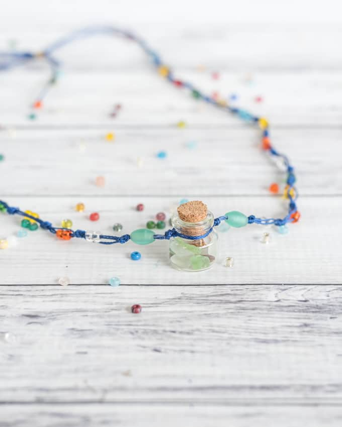 DIY summer memories necklace - fill the bottle