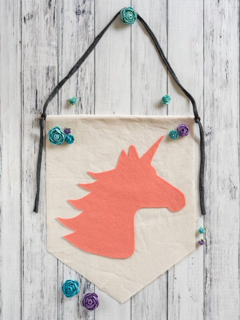 easy no-sew felt unicorn banner