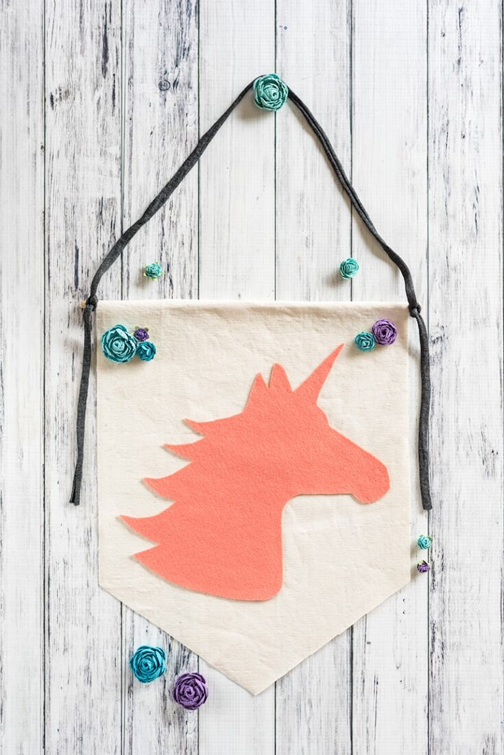 Easy Unicorn Banner - DIY No-Sew Unicorn Wall Decor