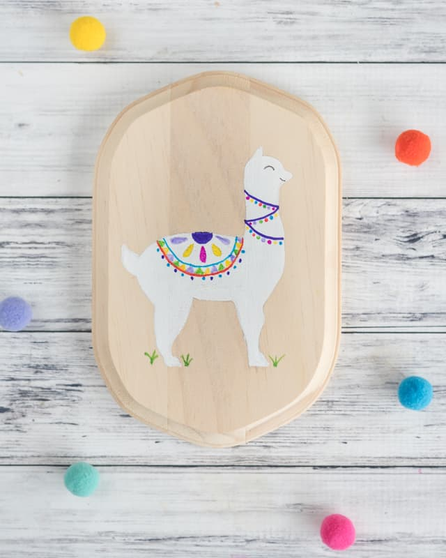 diy painted alpaca with free pattern