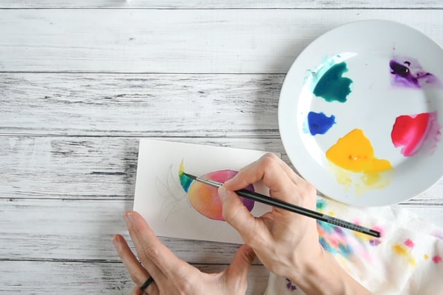 paint the watercolor pineapple leaves