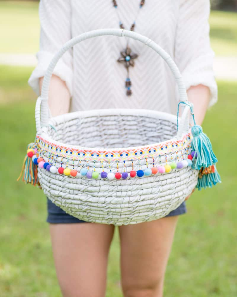 DIY boho market basket tutorial with tassel making instructions