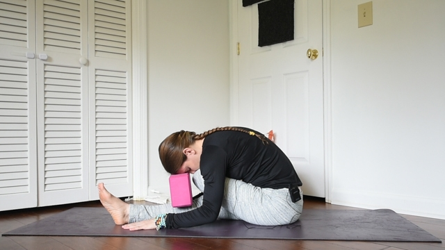 beginner yin yoga sequence half shoelace
