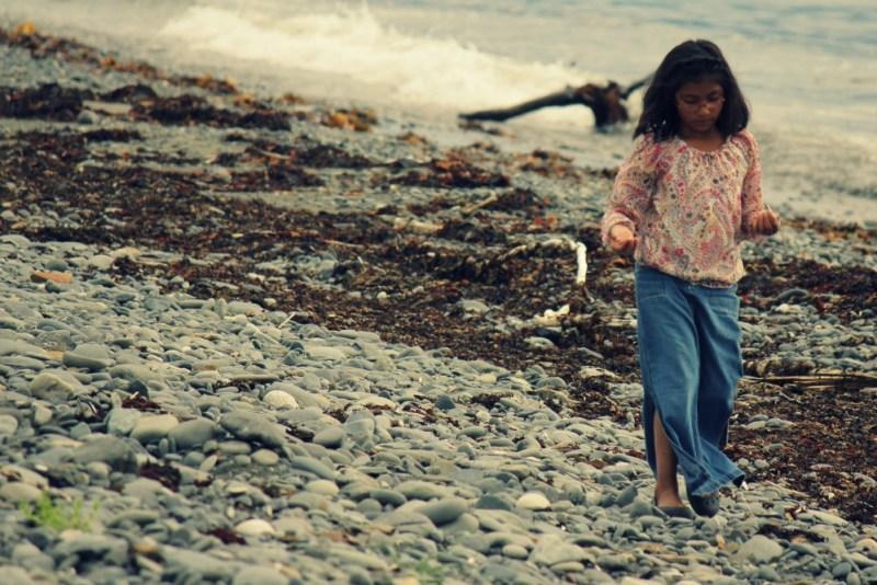 child-beach lost childhood