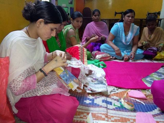 project-why-giving-tuesday-big-hearts-make-abig-difference-sewingcircle