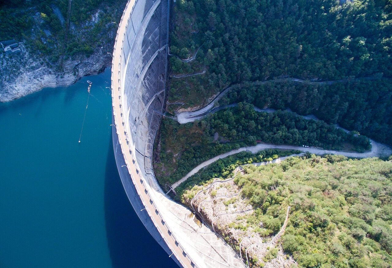 Dam-lake-Vyrnwy-Wales