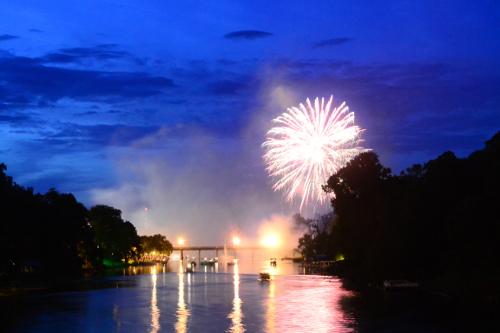 CON-Fireworks.JPG