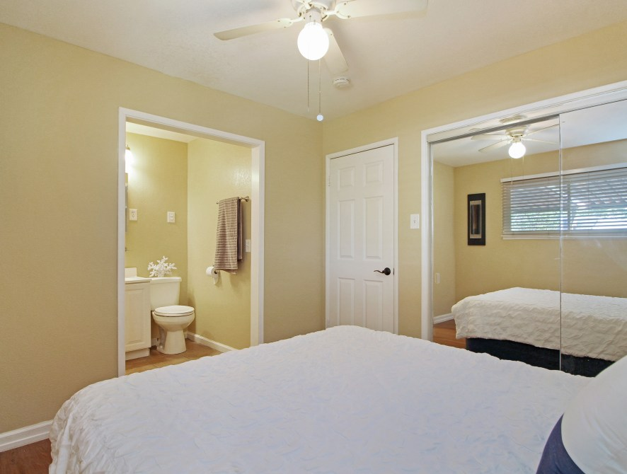 13 Master Bedroom Toward Closet