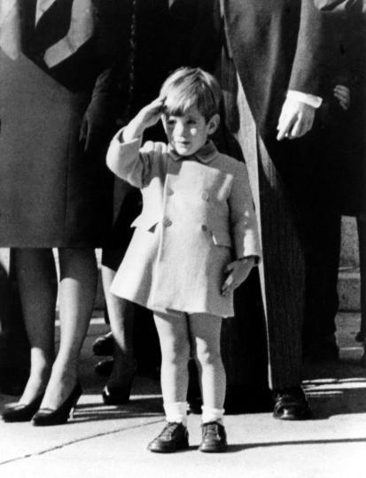 https://i2.wp.com/natedsanders.com/blog/wp-content/uploads/2014/02/UPIs-Stan-Stearns-dies-photographed-JFK-funeral.jpg