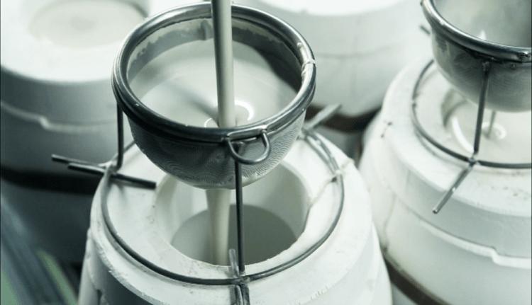ชุดชากาแฟไม้จามจุรีและพอร์ซเลน (Acacia-Porcelain Coffee or Tea Set)