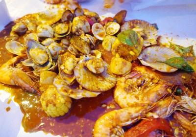 กิตยาพาชิม : รีวิว Holy Shrimp (โฮลี่ชริมพ์) ตลาดนัดรถไฟ รัชดา