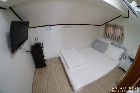 ห้องนอนค่ะ มีทีวี พัดลม นอนสบายยย