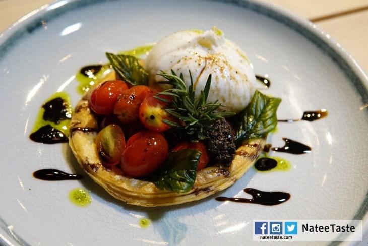 Burratta (v) (Cherry tomato, Puff pastry, Balsamic, Basil oil, Tapenade) 560THB